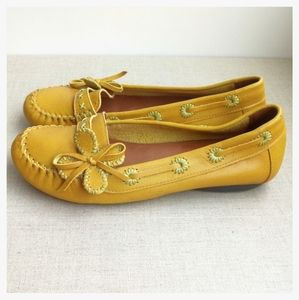 DOS Fashion Wear US 7 Yellow Leather Loafers